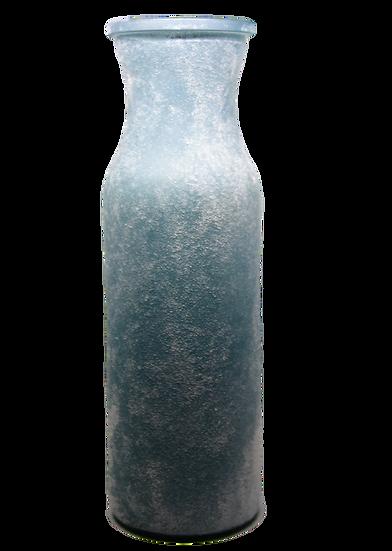 Vaso azzurro glaciale, ricorda nella forma le bottiglie di latte di vetro, texture ruvida effetto neve