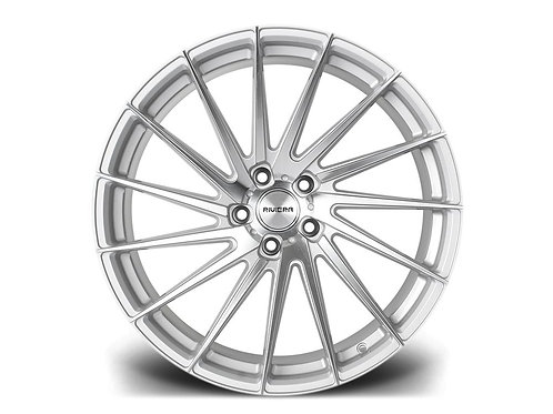 Riviera RV199 19x8.5J alloy wheels finished in polished silver