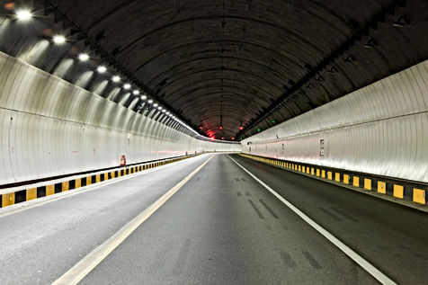 Tunnel-Light-at-Shenzhen-Highway-s.jpg