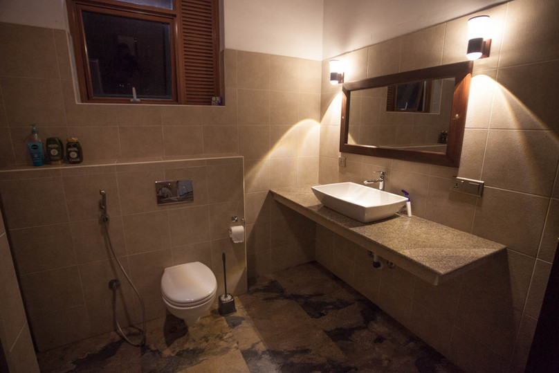 Bathroom, rooms 4 and 5