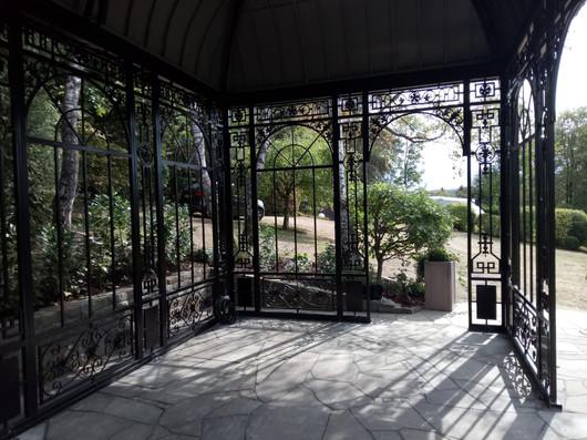 geschlossenem Blechdach von Innen