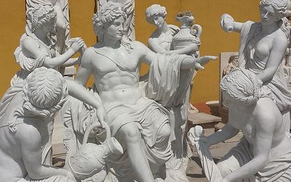 Statuen aus Naturstein