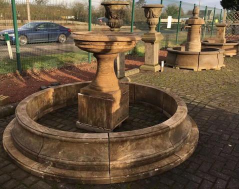 Marktbrunnen rund