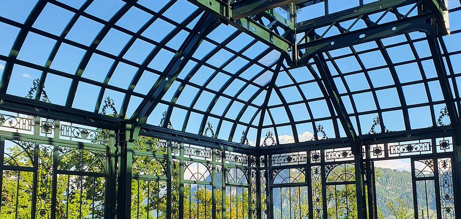 Orangerie mit Glasdach.jpg