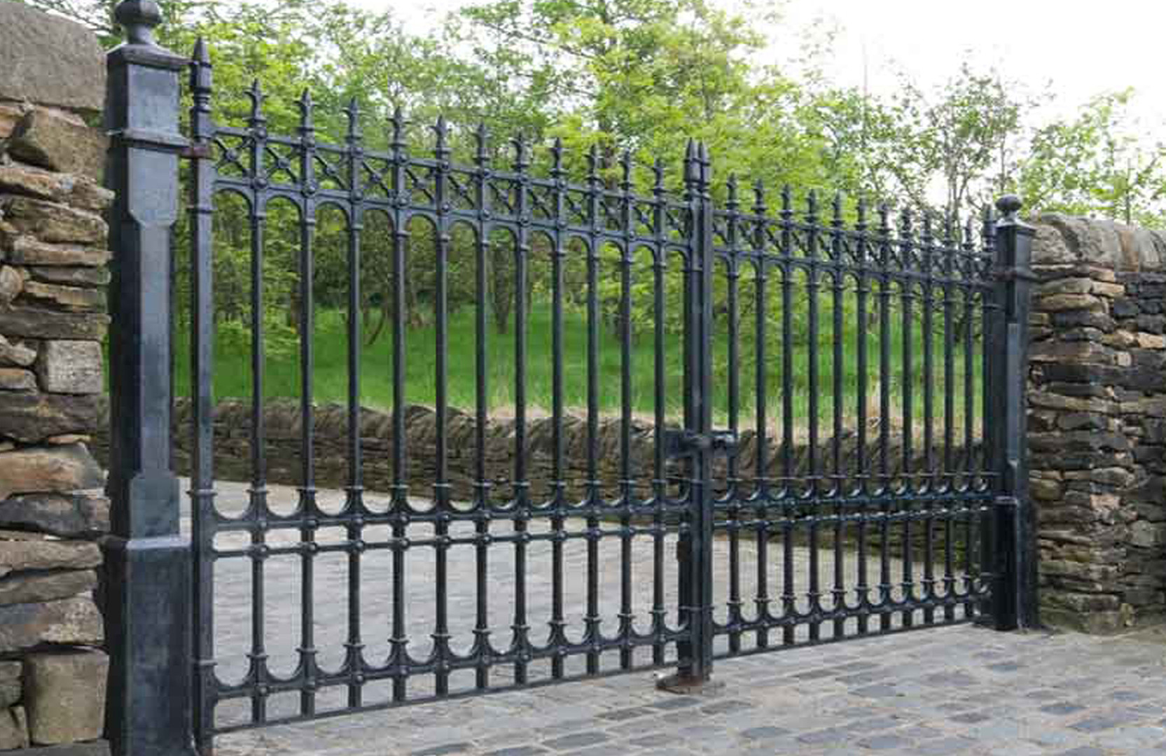 iron gate 5140.jpg