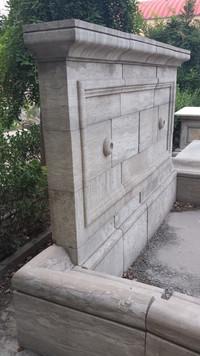Großer Wandbrunnen