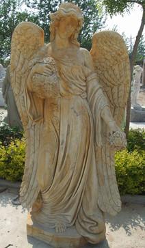 Engel im Gewand