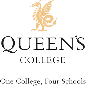 Queens-College-Taunton-Logo.png