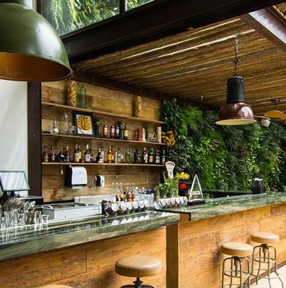 Galeria de representação conceitual do Bar casual, com imagens autorais do proprietário Banana Café.