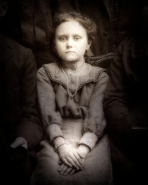Vintage Long Family001 LITTLE GIRL