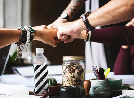 Como promover a cooperação entre redes e centrais de negócios?