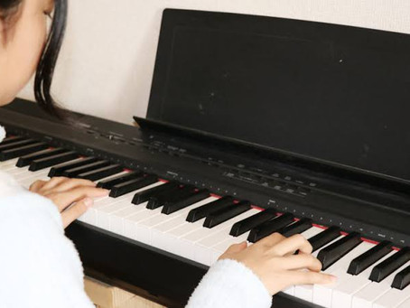 電子ピアノと生ピアノ