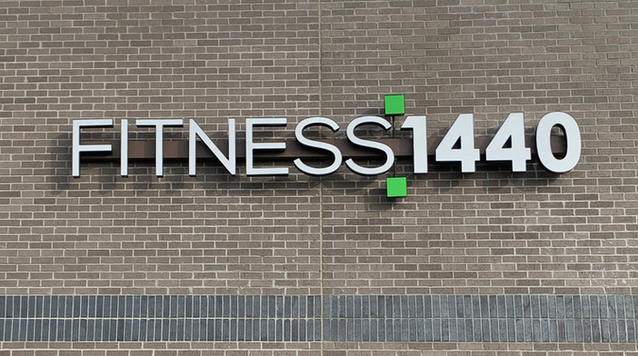 Fitness 1440 Channel Sign, TN