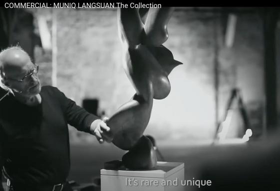 Muniq Langsuan (commercial).png
