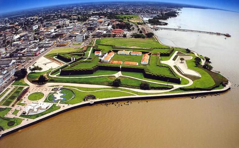 Fortaleza de São José, em Macapá /AP, vista aérea, SETUR/Divulgação.