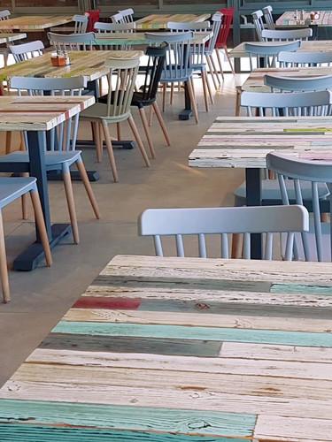 שולחנות בית קפה מקלות וניל