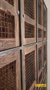 דלתות ארון לוקרים - עץ בשימוש חוזר עם מילואות רשת