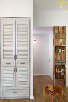 ארון כניסה ויחידת אחסון מעץ בשימוש חוזר