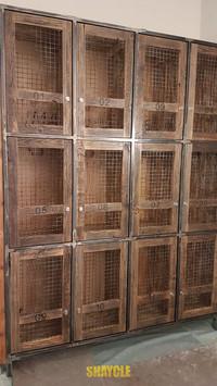 ארון לוקרים - עץ בשימוש חוזר עם מילואות רשת