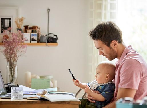 Est-il (vraiment) possible de faire du télétravail tout en gardant son enfant ?