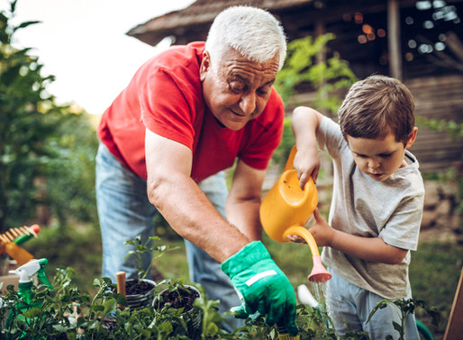 Baby-sitting : Puis-je faire employer un membre de ma famille pour la garde de mon enfant ?