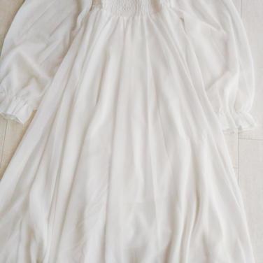 白・長袖 白ワンピ