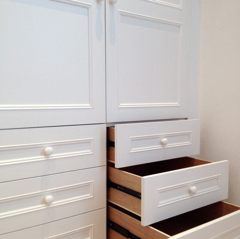 Shaker wardrobes and drawers