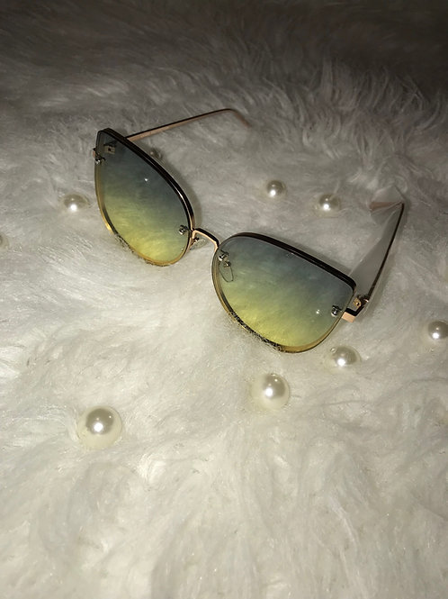 Kat eyes green sunglasses