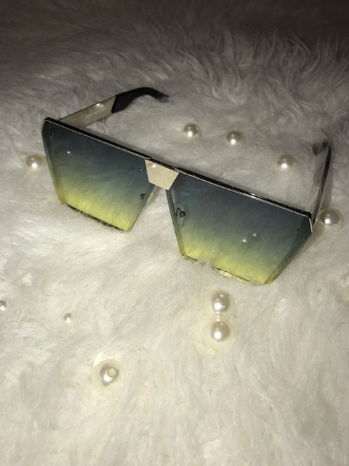 Square to be diffent Green sunglasses