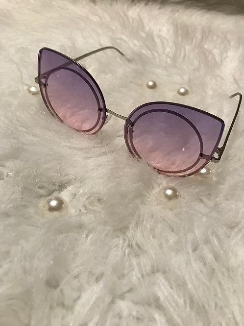 Kat eyes rimmed sunglasses