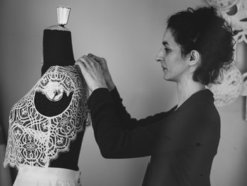Rencontre avec Charlotte Do, créatrice de robe de mariée sur-mesure