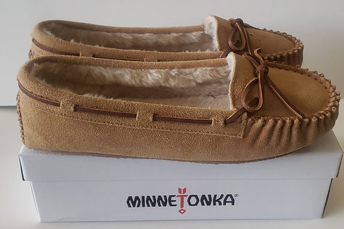 Ladies Minnetonka shoe or slipper