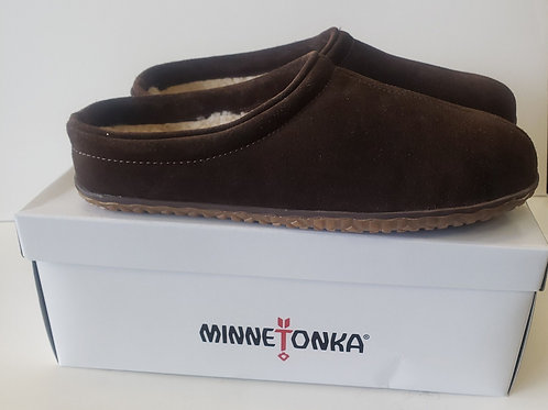 Mens Minnetonka shoe or slipper