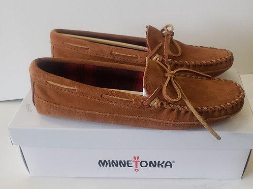 Mens Minnetonka shoe or slipper