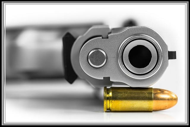 Should you keep a live bullet in the chamber of a handgun