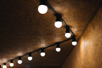 หลอดไฟแอลอีดี led bulb หลอดประหยัดไฟ.jpg