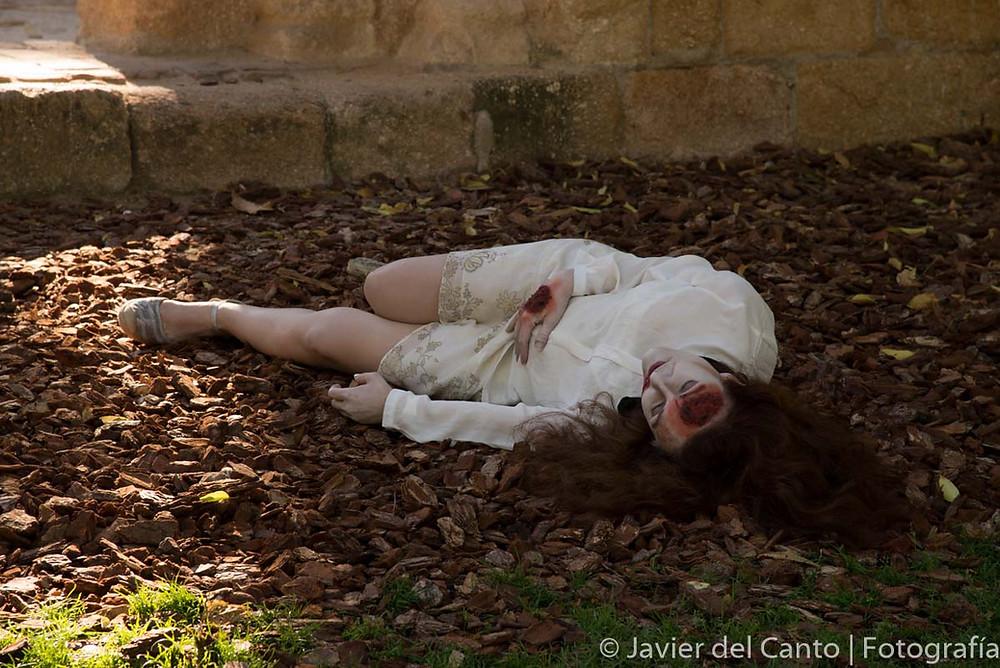 Eva Velasco yace en el suelo tras destrozarse el cráneo