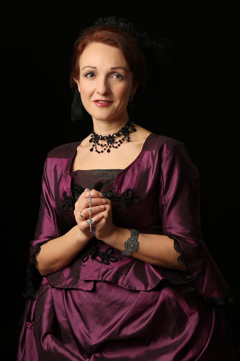 La celeste y adorable Eva Velasco como Madame de Tourvel.