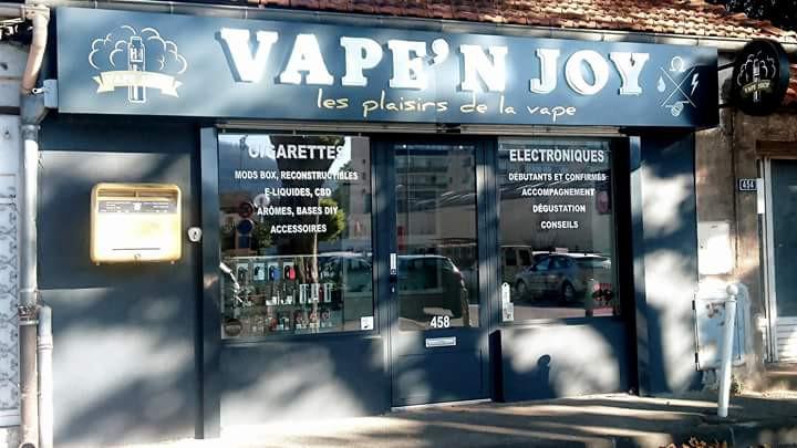 shop Toulon exterieur (1).jpg