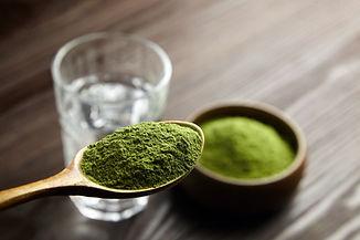 Wheatgrass or barley grass powder in woo