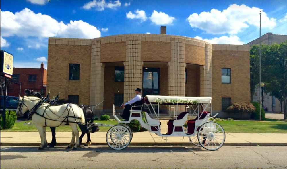 horse drawn carriage, Lake Anna Hall, Weddings, Meeting, Banquet