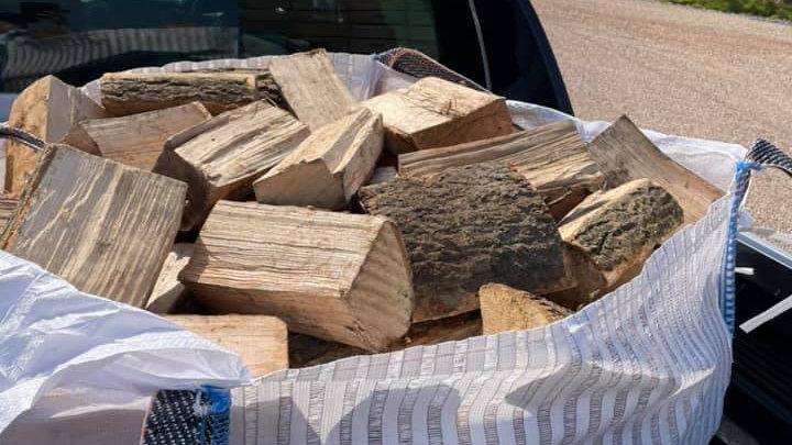 Builders bags of Kiln Dried Hardwood or Softwood Logs