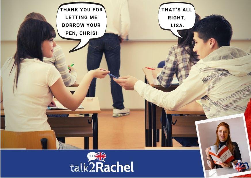 Sala de aula com um aluno emprestando uma caneta