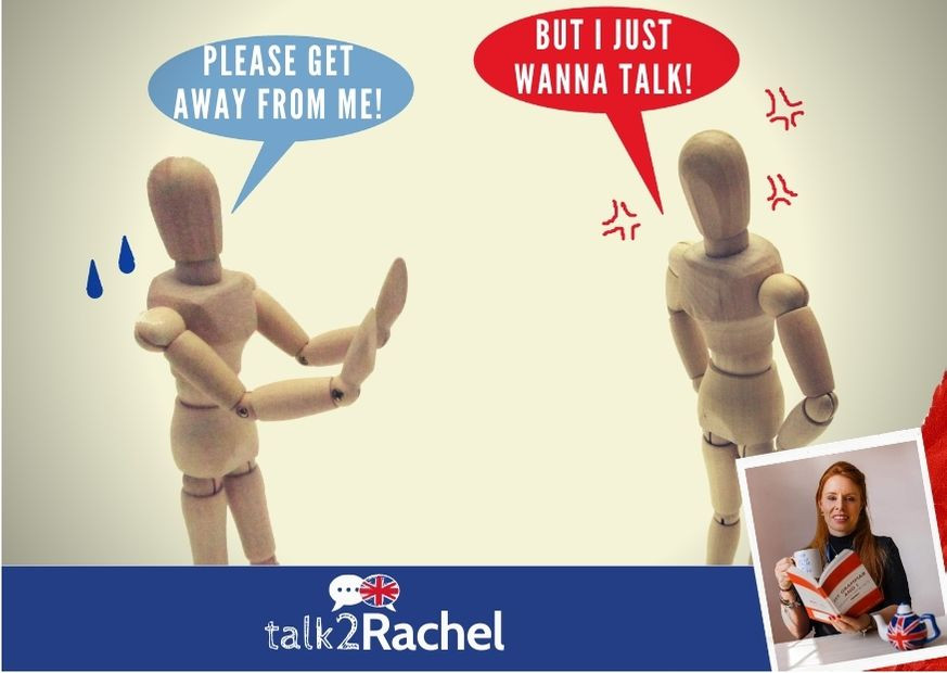 2 bonecos conversando