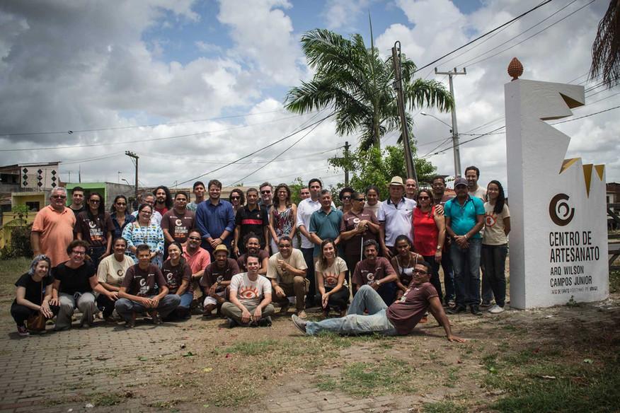 Grupo de artesãos do Centro e expectadores da apresentação do resultado da pesquisa.