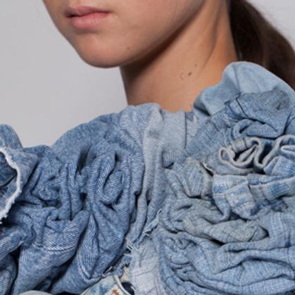 הזהב הכחול: ג׳ינס, אינדיגו והוט קוטור | נס ציונה