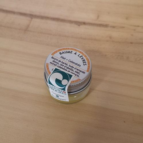 Baume à lèvres en pot