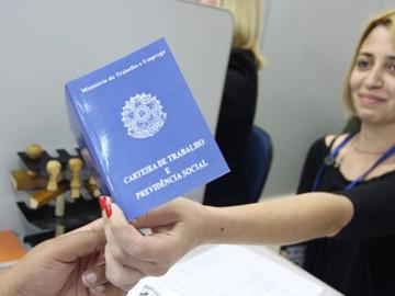Venezolanos obtienen permisos de trabajos en frontera de Brasil