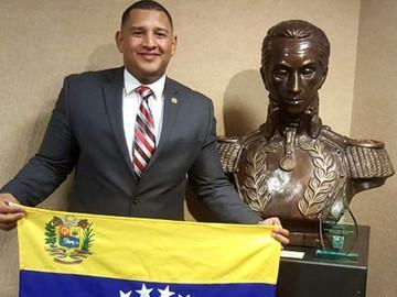 Venezolano es reconocido como héroe por sus esfuerzos sobresalientes en ciudad de Estados Unidos