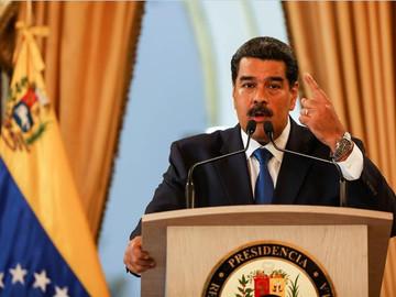 Gobierno y oposición debaten agenda de diversos puntos según Maduro